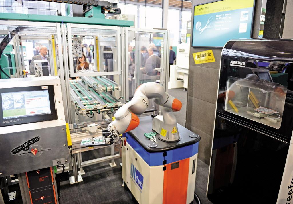 Arburg-pushes-'mass-customization'
