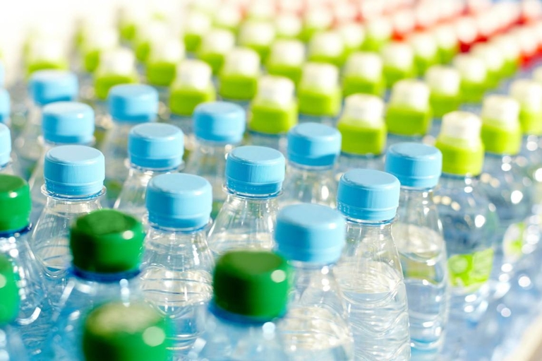 Report: Plastics firms face big risks over waste issues