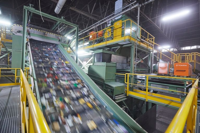California report sees 'crisis' in recycling, urges plastics changes