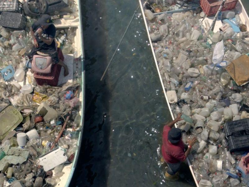 Beer maker Corona rewards fishermen for 'catching' plastic