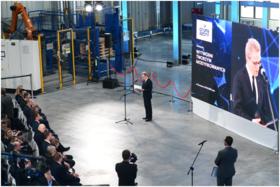 Grupa Azoty board president Wojciech Waldacki at launch of new Tarnów compounding plant.png
