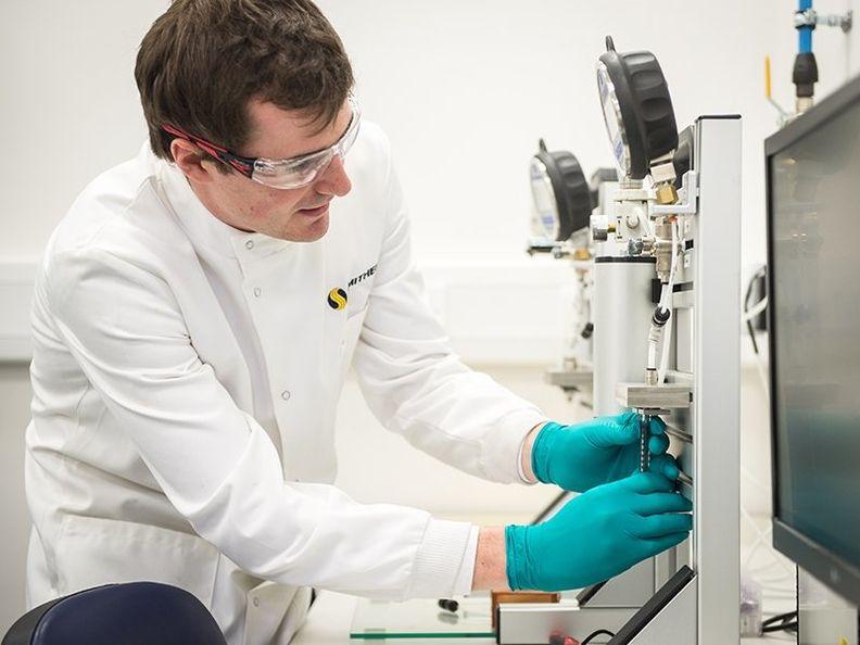 akron-medical-device-testing-lab_news_800x600.jpg