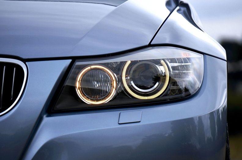 car headlight_i.jpg