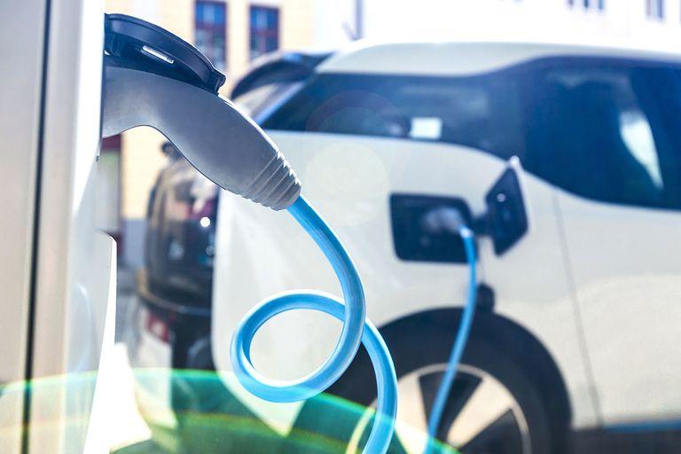 Experts seek to address connected-, autonomous-vehicle energy consumption