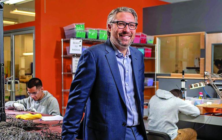 Illinois startup brings eyeglass frame manufacturing into focus