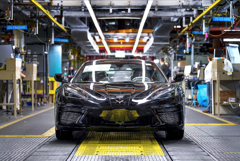 Car Dealerships In Bowling Green Ky >> First midengine Corvette rolls off assembly line